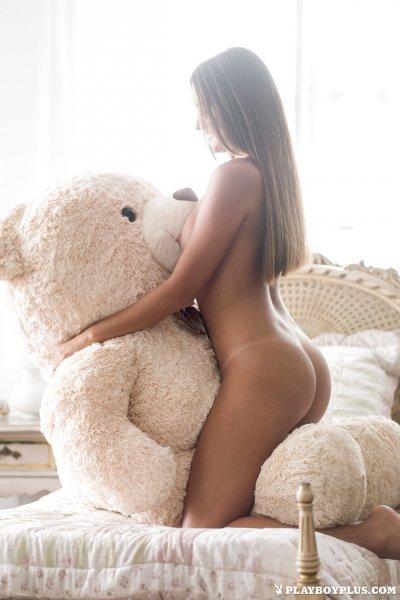 Малышка с мишкой порно